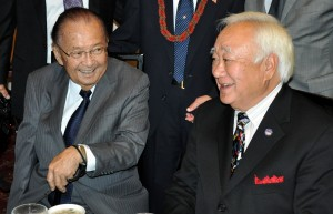 US Senator Inouye (L ) and Gerald Yamada at a July 2012 JAVA lunch.  Photo by Jim McCullum